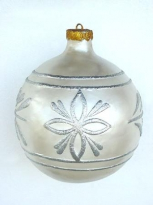Christmas Decor Ball White w/Silver 1.5ft (JR 1193-A)