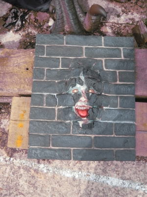 Brick Panel with Scary Face (JR S-001)