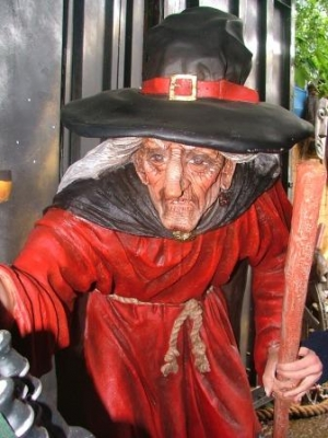 Witch with Stick 5ft (JR 1589)