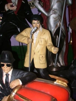 Elvis style Singer with Microphone 3ft (JR 1592)
