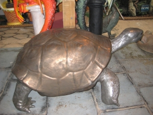 Giant Galapagos Tortoise in Bronze (JR 080124B)