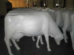 Cow - Smooth White head down without horns (JR SB007)
