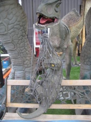 Baby T Rex in Net (JR R-195)