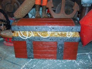 Pirates War Chest (JR 180199)