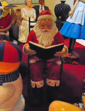 Santa in Rocking Chair with Book (JR 678 +JR 1654)