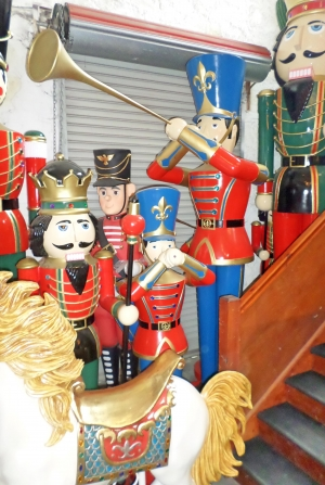 Toy Soldier with Trumpet 9ft (JR 140008)