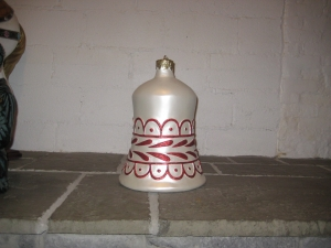 Christmas Decor Bell White w/Red (JR 1189-D)
