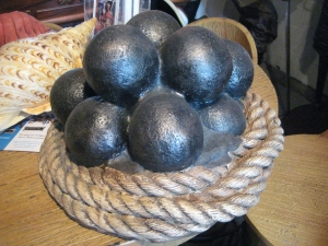Cannon Balls with Rope (JR R-060)