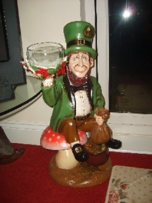 Leprechaun with Candy Pot (JR ST5166)