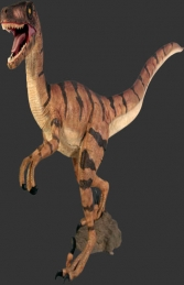 Velociraptor 5ft tall (JR 110015) - Thumbnail 01