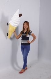 HANGING ICE CREAM SMALL WITH FLAKE - PLAIN JR 170052P  - Thumbnail 02