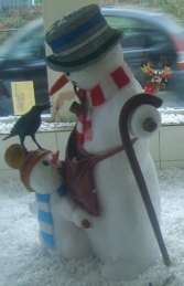 Snowman with Child and Bird 5ft (JR 1854) - Thumbnail 02