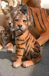 Tiger Cub Sitting (JR 080149) - Thumbnail 02