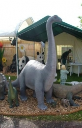 Brontosaurus Baby 7ft tall (JR 080130)