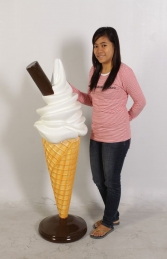 Standing Waffle Cone Plain with a Flake 4ft (JR 0045p) - Thumbnail 02