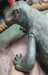 Komodo Dragon small in bronze 5.5ft (JR 120017b) - Thumbnail 03