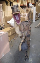 Velociraptor 5ft tall (JR 110015)
