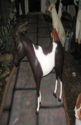 Horse Standing - Brown & White 3ft (JR 100011b)