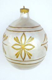 Christmas Decor Ball White w/Gold 1.5ft (JR 1193-B)