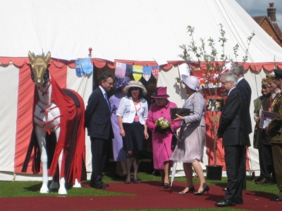 Primer Horse meets the Queen 2012